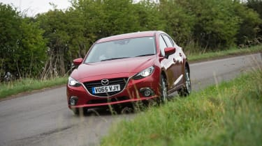 Mazda 3 - front action