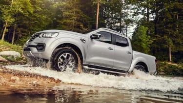 Renault Alaskan - off-road front