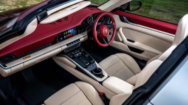 Porsche 911 Targa 4S Heritage Design Edition - interior