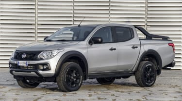 Fiat Fullback Cross - front static