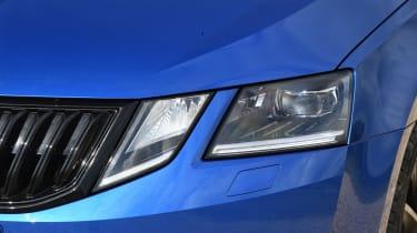 Skoda Octavia Sportline - front light