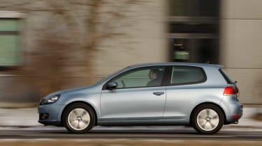 VW Golf Plug-in Hybrid panning