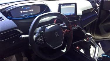 Peugeot 3008 - launch dash