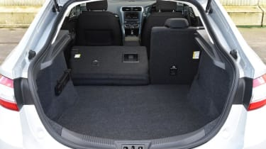 Ford Mondeo - boot