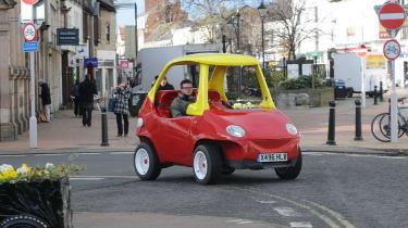 Cosy Coupe replica driving