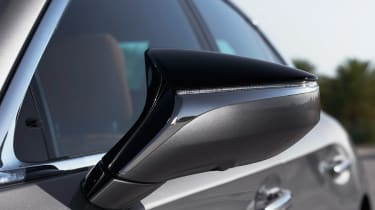Lexus LS 500h - wing mirror