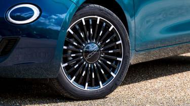 Fiat 500 - wheel