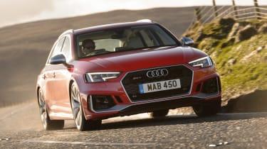 Audi RS 4 Avant - front action