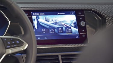 Volkswagen T-Cross - studio infotainment