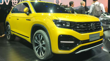 Volkswagen Advanced SUV front