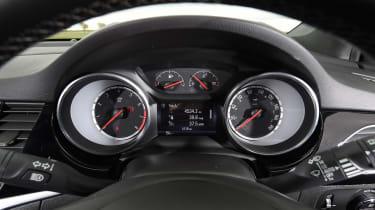 Vauxhall Astra - speedo