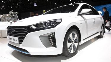 Hyundai Ioniq PHEV Geneva - front/side