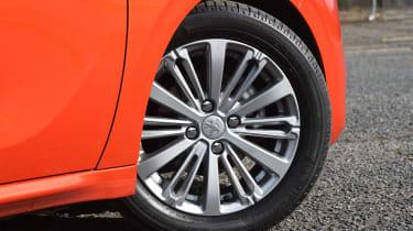 Peugeot 208 - wheel
