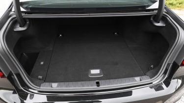 BMW 745Le xDrive - boot