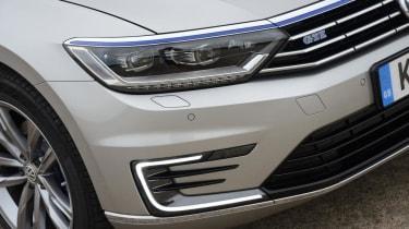 Volkswagen Passat GTE - grille