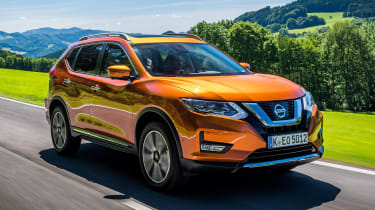 Nissan X-Trail - front action