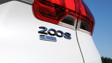 Peugeot 2008 1.6 e-HDi badge