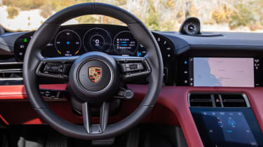 Porsche Taycan 4S - steering wheel