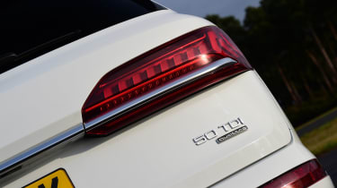 Audi Q7 - rear lights
