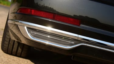 Audi A8 55 TFSI - exhaust