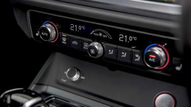 Audi RS Q3 - climate controls