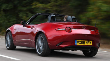 mazda mx-5 tracking rear