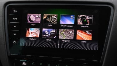 skoda octavia estate infotainment