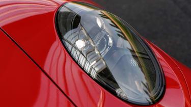 Porsche 911 GTS - front light
