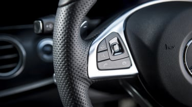 Mercedes E 400 d Estate - steering wheel detail