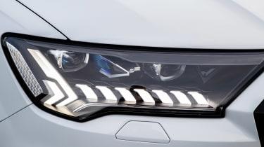 Audi Q7 60 TFSI e - front light
