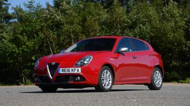 Alfa Romeo Giulietta vs SEAT Leon vs Kia Cee'd - Giulietta front three quarter
