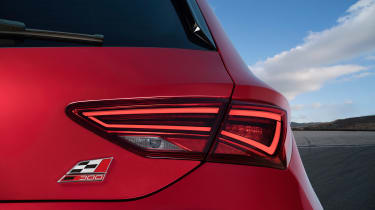 SEAT Leon Cupra 300 2017 - rear light