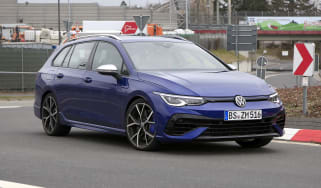 Volkswagen Golf R estate spy - front
