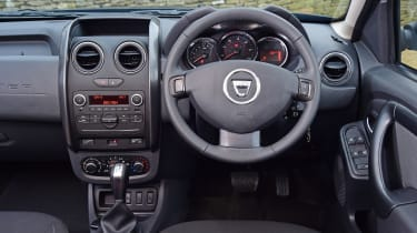 Dacia Duster automatic 2017 - interior