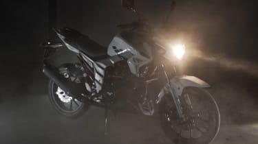 Lexmoto Venom review - headlight