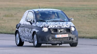 2020 Fiat 500 - spies - front tracking
