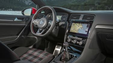 Volkswagen Golf GTI Performance Pack 2017 cabin