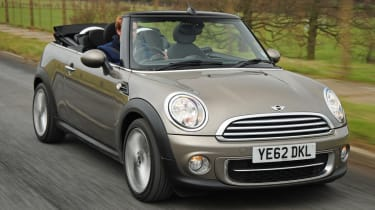MINI Cooper S Convertible front tracking