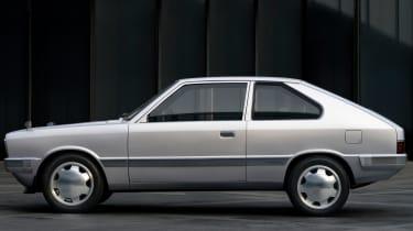Hyundai Pony - side