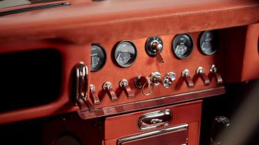 Helm Jaguar E-Type - interior