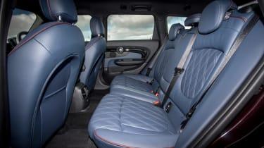 MINI Cooper D Clubman 2015 rear seats