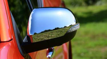 Mitsubishi L200 - mirror
