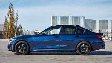 BMW M340i xDrive - side static