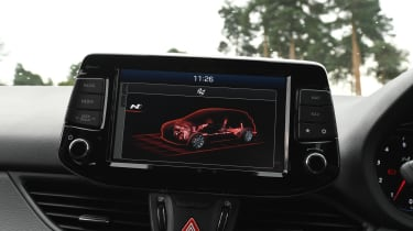 Hyundai i30 N - screen