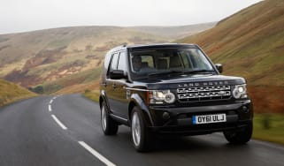 Land Rover Discovery 4 front tracking
