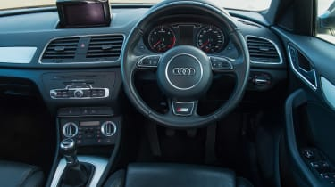 Used Audi Q3 - dash