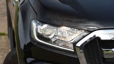 Ford Ranger 3.2 TDCi 2016 - headlight