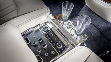 Bentley Mulsanne 2016 - rear centre console