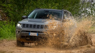 Jeep Compass Trailhawk - off-road action