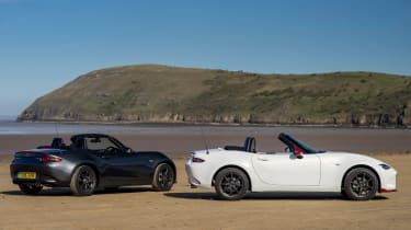 Mazda MX-5 Icon - twin rear